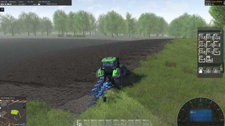 La manœuvre se fait dans le champ. L'employé fait le détourage à la fin, avant de sortir de la parcelle.
