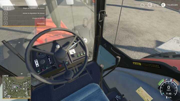 L'intérieur est similaire au modèle de Farming Simulator 17.